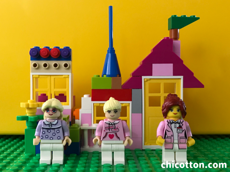 レゴブロックと人形